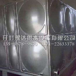 安装好的不锈钢水箱