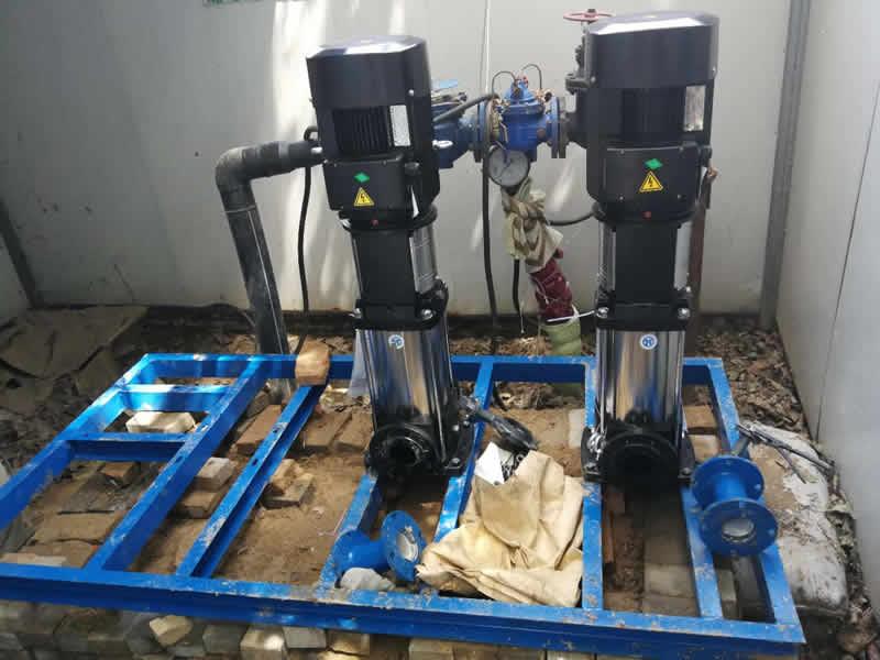 济南客户订购的无负压供水设备安装